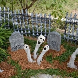 Superb Front Yard Halloween Decoration Ideas To Try Asap 35