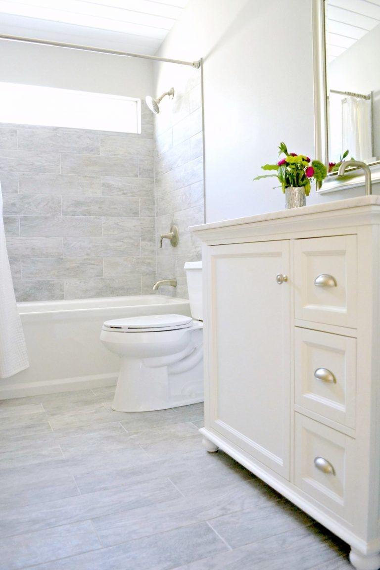 Unrdinary Small Bathroom Design Remodel Ideas With Awesome Tiles To Try 37