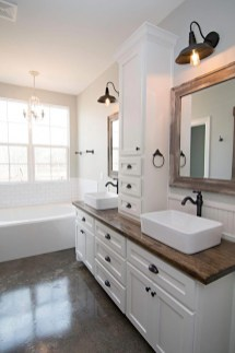 Unusual Remodel Design Ideas To Be Modern Farmhouse Bathroom 23
