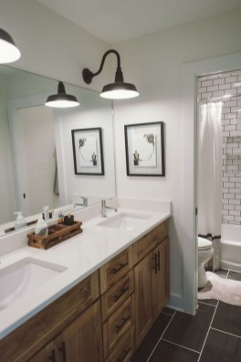 Unusual Remodel Design Ideas To Be Modern Farmhouse Bathroom 25