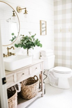 Unusual Remodel Design Ideas To Be Modern Farmhouse Bathroom 42