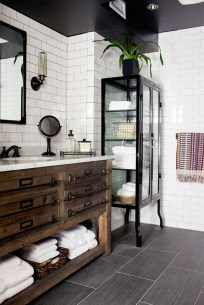 Unusual Remodel Design Ideas To Be Modern Farmhouse Bathroom 48