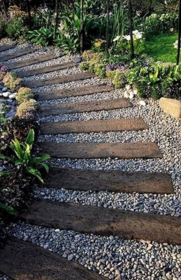 Amazing Yard Landscaping Design Ideas That You Must See 24