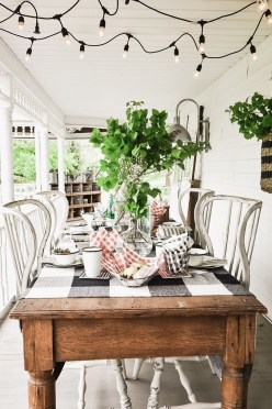 Awesome Summer Decor Ideas With Rustic Farmhouse Style To Try Asap 16