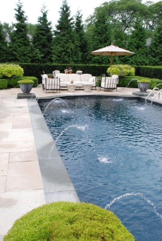 Cozy Backyard Swimming Pools Design Ideas To Copy Right Now 39