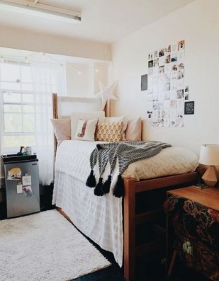 Elegant College Dorm Room Design Ideas That Suitable For You 06