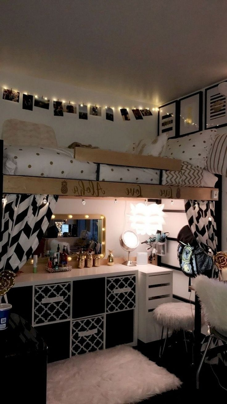 Elegant College Dorm Room Design Ideas That Suitable For You 09