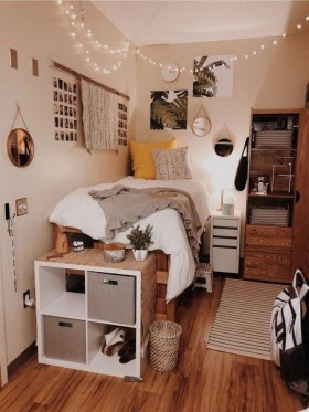 Elegant College Dorm Room Design Ideas That Suitable For You 24