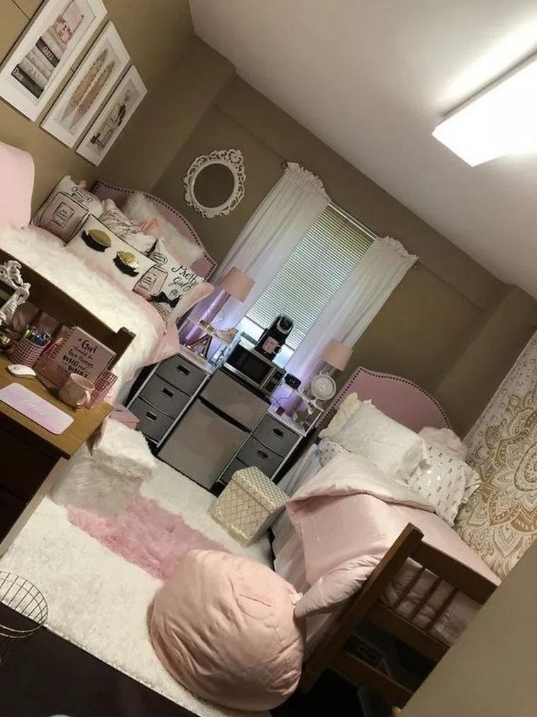 Elegant College Dorm Room Design Ideas That Suitable For You 29
