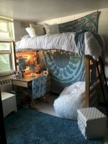 Elegant College Dorm Room Design Ideas That Suitable For You 40