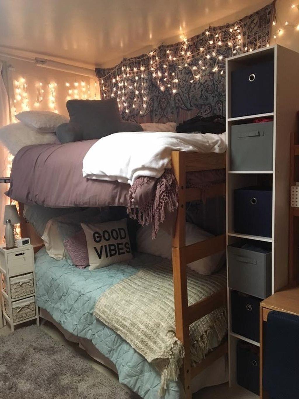 Elegant College Dorm Room Design Ideas That Suitable For You 41