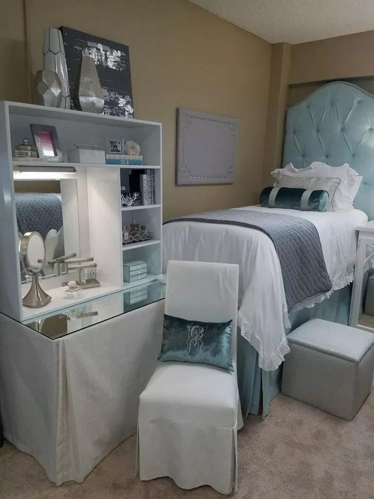 Elegant College Dorm Room Design Ideas That Suitable For You 43