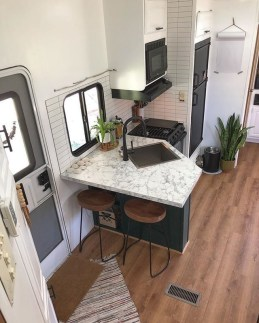 Relaxing Tiny House Makeovers Design Ideas With Farmhouse Style 31