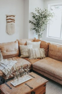 Splendid Living Room Décor Ideas For Spring To Try Soon 14