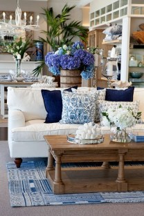 Splendid Living Room Décor Ideas For Spring To Try Soon 41