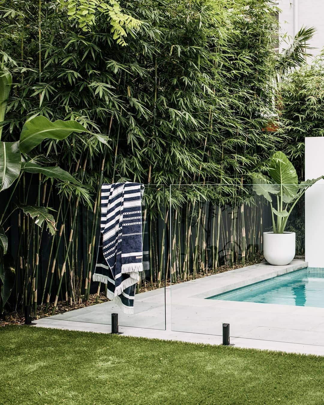 Surprising Tropical Pool Landscaping Design Ideas To Try Soon 03