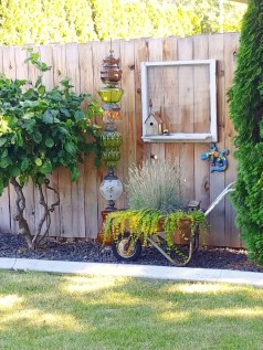 Attractive Garden Art Design Ideas That You Can Create Itself 21