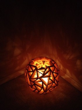 Cozy Pumpkin Carving Design Ideas You Can Do Yourself 08