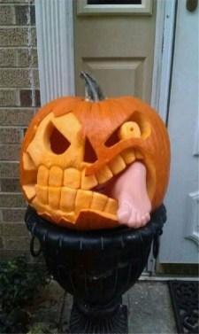 Cozy Pumpkin Carving Design Ideas You Can Do Yourself 36