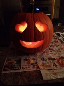 Cozy Pumpkin Carving Design Ideas You Can Do Yourself 37