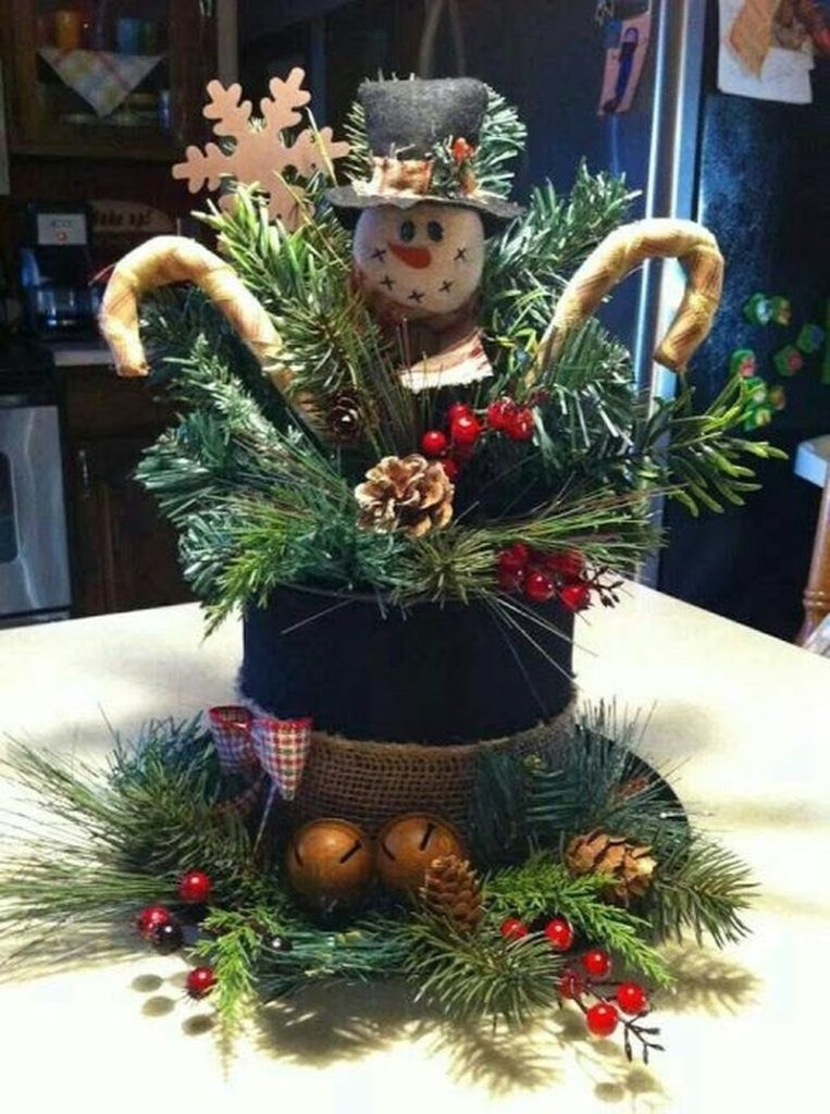 Creative Christmas Centerpieces Ideas That You Must See 50