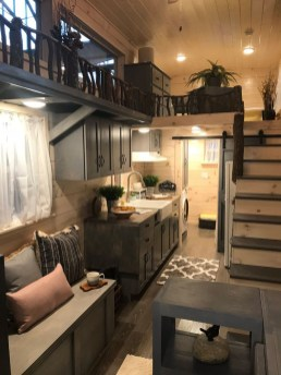 Cute Tiny House Design Ideas On Wheels That You Must Have Now 31