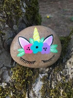 Elegant Diy Rock Painting Design Ideas That Looks Cool 08