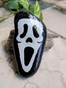 Elegant Diy Rock Painting Design Ideas That Looks Cool 46