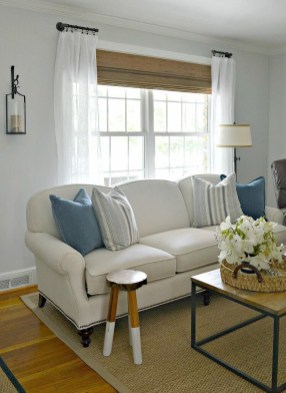 Favorite Living Room Curtain Design Ideas To Enhance Your Living Room 26