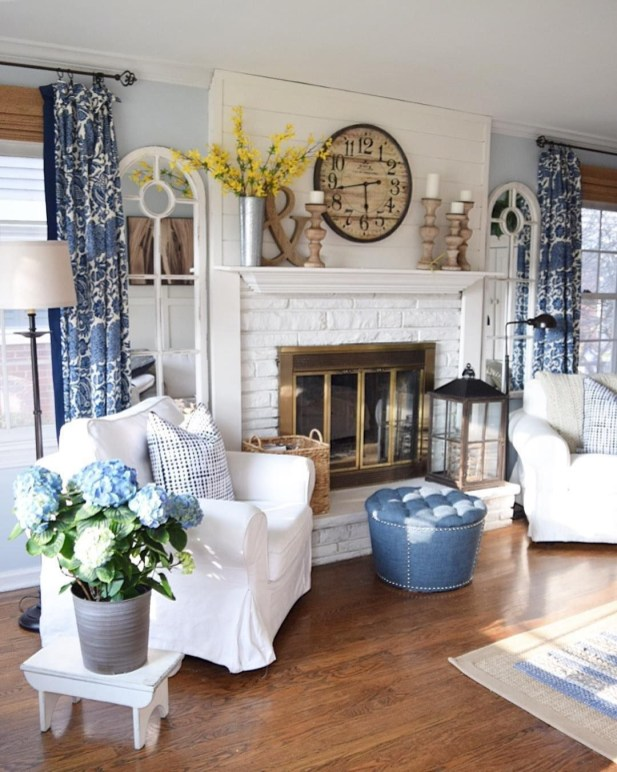 Favorite Living Room Curtain Design Ideas To Enhance Your Living Room 39