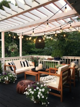 Popular Winter Patio Decorating Ideas To Try Asap 36