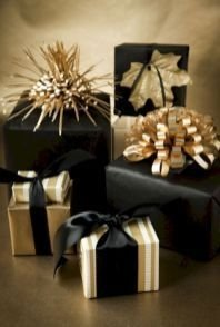 Wonderful Black Christmas Decorations Ideas That Amaze You 33