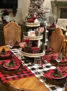 Wonderful Black Christmas Decorations Ideas That Amaze You 46