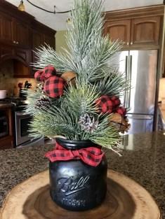 Wonderful Black Christmas Decorations Ideas That Amaze You 47