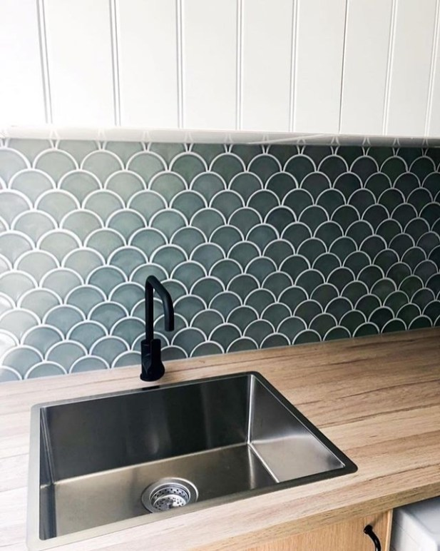 Affordable Kitchen Wall Tile Design Ideas To Try Right Now 40