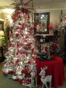 Beautiful Coastal Christmas Decor Ideas For Apartment To Try 10