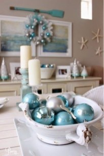 Beautiful Coastal Christmas Decor Ideas For Apartment To Try 12