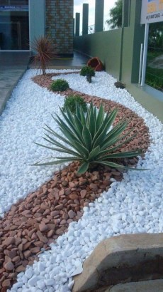 Beautiful Home Yard Design Ideas To Try Asap 35