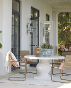 Beautiful Indoor And Outdoor Beach Dining Spaces Ideas To Copy Asap 31