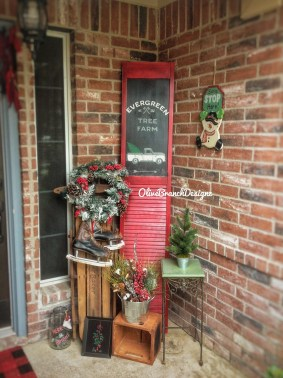 Comfy Christmas Front Porch Decor Ideas To Looks More Elegant 33