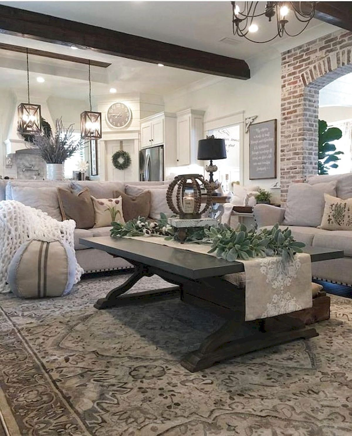 Comfy Farmhouse Living Room Decor Ideas To Try This Year 05