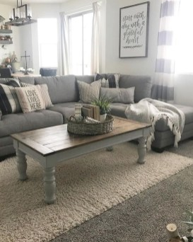 Comfy Farmhouse Living Room Decor Ideas To Try This Year 07