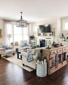 Comfy Farmhouse Living Room Decor Ideas To Try This Year 09