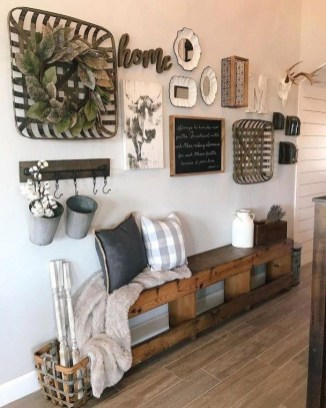 Comfy Farmhouse Living Room Decor Ideas To Try This Year 44