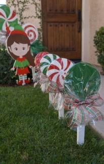 Cozy Outdoor Christmas Decor Ideas To Have Asap 05