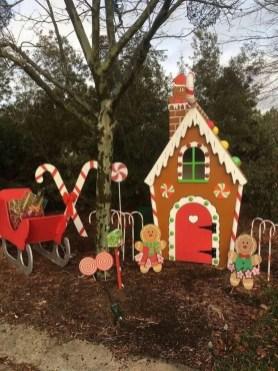Cozy Outdoor Christmas Decor Ideas To Have Asap 08