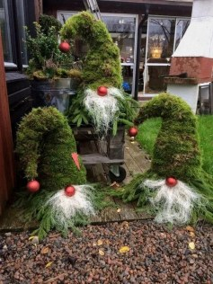 Cozy Outdoor Christmas Decor Ideas To Have Asap 32