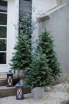 Cozy Outdoor Christmas Decor Ideas To Have Asap 34