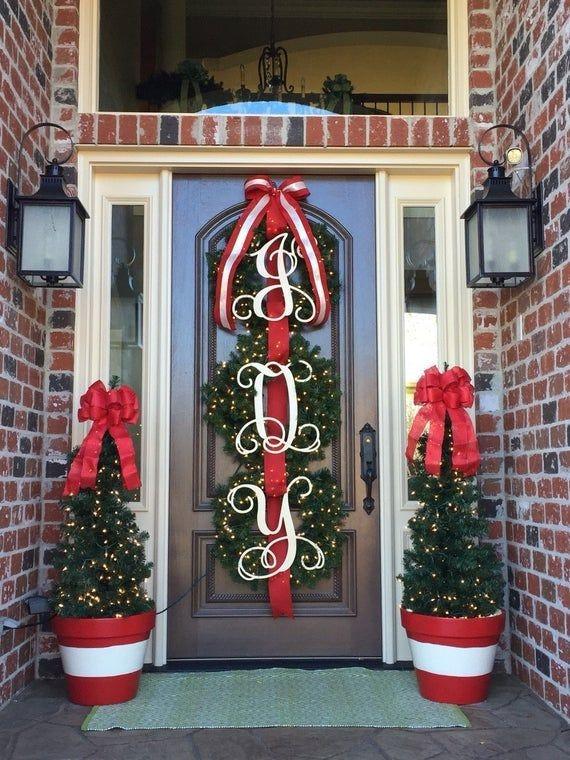 30 Cozy Outdoor Christmas Decor Ideas To Have Asap Gagohome