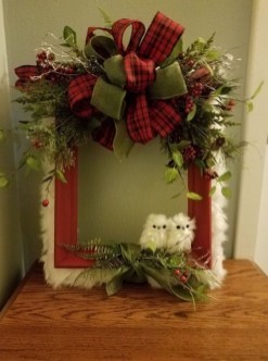 Inspiring Diy Christmas Door Decorations Ideas For Home And School 13